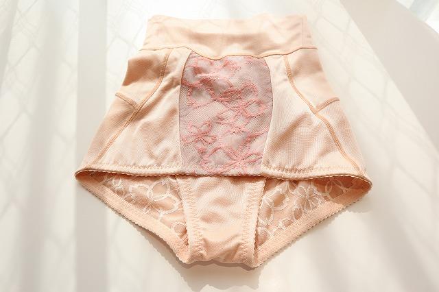 マルコの補整下着のガードル部分