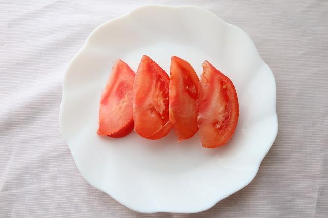 トマトを切ったところ