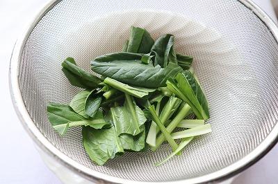 小松菜を切ったところ