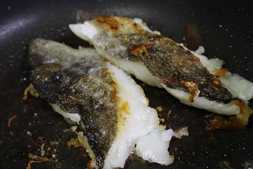白身魚の両面を焼いたところ