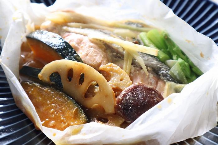 鮭と野菜の包み蒸しの完成品のアップ